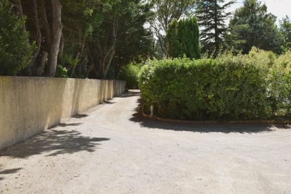 Chemin d'accès de la Maison des Invités