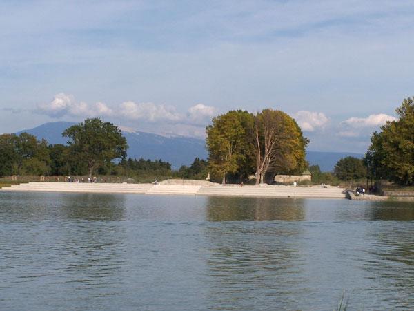 Lac de Beaulieu et Dentelles de Montmirail