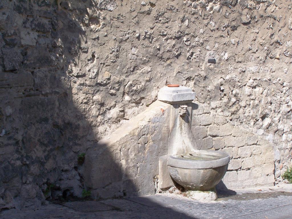 Fontaine de Pernes